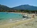 La grande plage de sable blanc de Sant Ambroggio